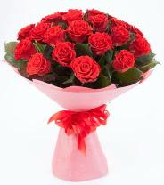 12 adet kırmızı gül buketi  Adana çiçek gönder çiçek siparişi sitesi