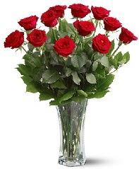11 adet kırmızı gül vazoda  Adana çiçek siparişi internetten çiçek siparişi