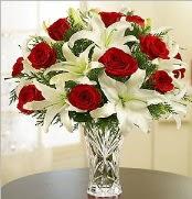 12 adet kırmızı gül 2 dal kazablanka vazosu  Adana çiçek yolla çiçek satışı