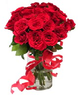 21 adet vazo içerisinde kırmızı gül  Adana çiçek yolla çiçek satışı