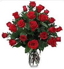 Adana çiçek gönder çiçek siparişi sitesi  24 adet kırmızı gülden vazo tanzimi
