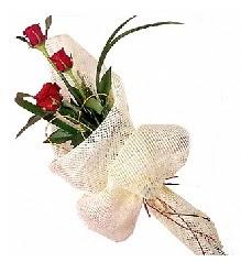 3 adet kırmızı gül buketi  Adana çiçek siparişi güvenli kaliteli hızlı çiçek