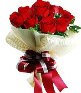 9 adet kırmızı gülden buket tanzimi  Adana çiçek yolla çiçek gönderme sitemiz güvenlidir