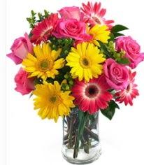 Vazoda Karışık mevsim çiçeği  Adana çiçek gönder çiçekçi mağazası