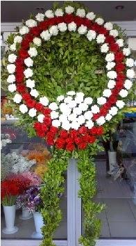 Cenaze çelenk çiçeği modeli  Adana çiçek siparişi anneler günü çiçek yolla