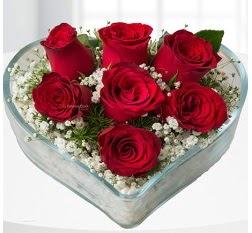Kalp içerisinde 7 adet kırmızı gül  Adana çiçek siparişi çiçek servisi , çiçekçi adresleri