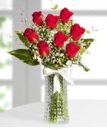 7 Adet vazoda kırmızı gül sevgiliye özel  Adana çiçek gönder çiçek siparişi sitesi