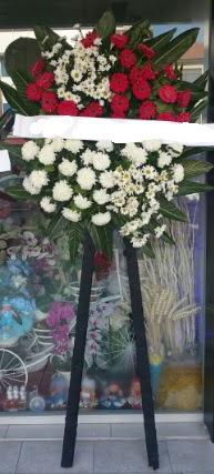 Cenaze çiçeği cenaze çiçek modelleri  Adana çiçek gönder çiçek siparişi sitesi