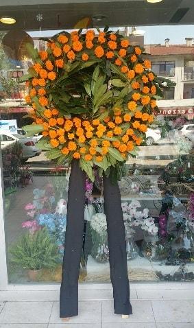 Cenaze çiçeği cenaze çelengi çiçek modeli  Adana çiçek yolla çiçek gönderme