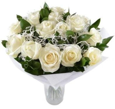 15 beyaz gül buketi sade aşk  Adana çiçek yolla çiçek satışı